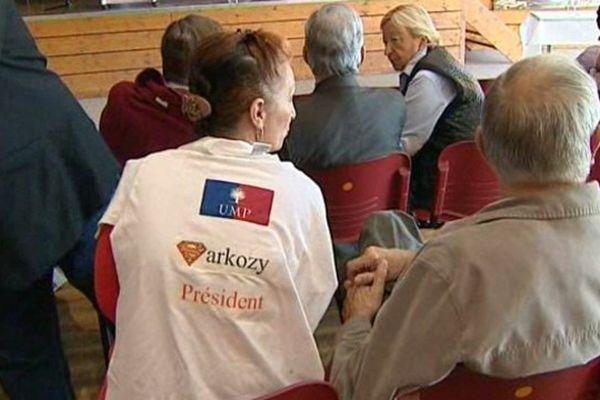 A deux mois du scrutin pour élire un nouveau président de l'UMP, des militants du Puy-de-Dôme affichent leurs préférences.