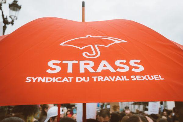 Le syndicat qui défend les travailleurs du sexe STRASS fait partie des organisateurs de cette mobilisation