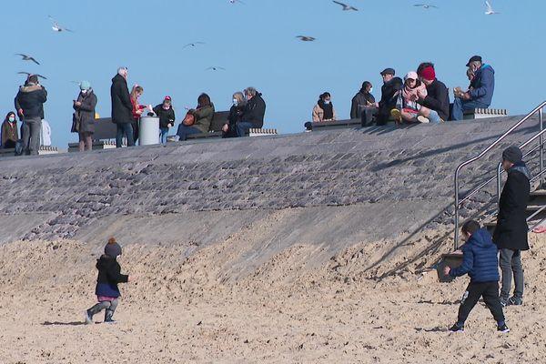 Alors qu'un confinement le week-end est décrété dans l'agglomération de Dunkerque, les touristes vont-ils se reporter sur les plages de Calais ?