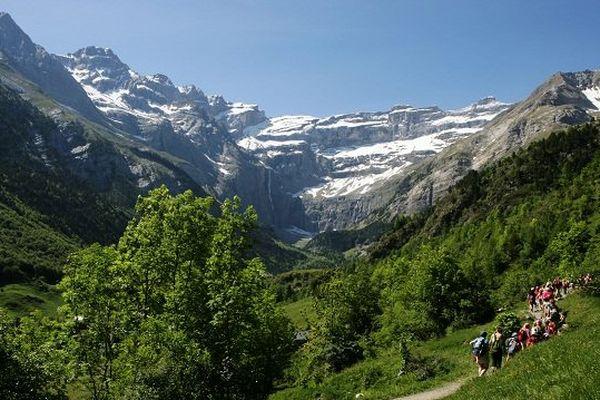 Cirque de Gavarnie, l'un des sites remarquables du Parc Naturel des Pyrénées