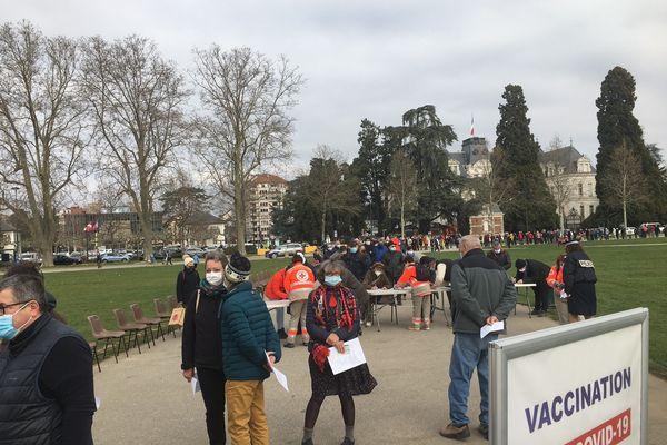 Un site de vaccination temporaire a été installé les 6 et 7 mars à Annecy.