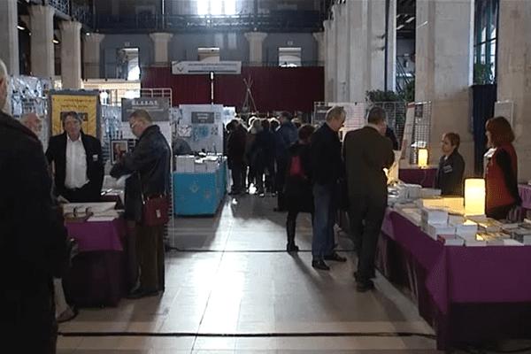 A la Halle aux Grains à Blois, la première édition des Rendez-vous Maçonniques, le 6 février 2016.