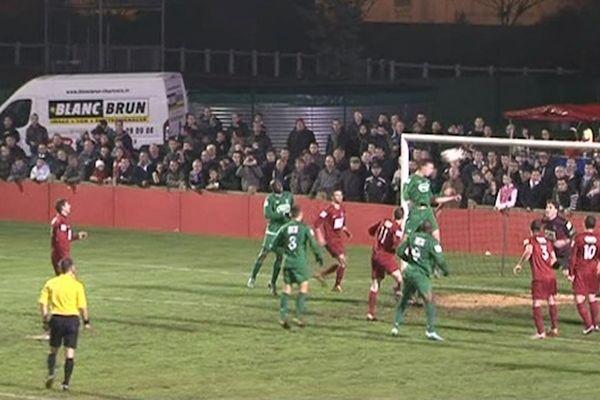 Coupe de France : le premier but de Carquefou contre St-Pol-de-Léon... il y en aura 4 autres !