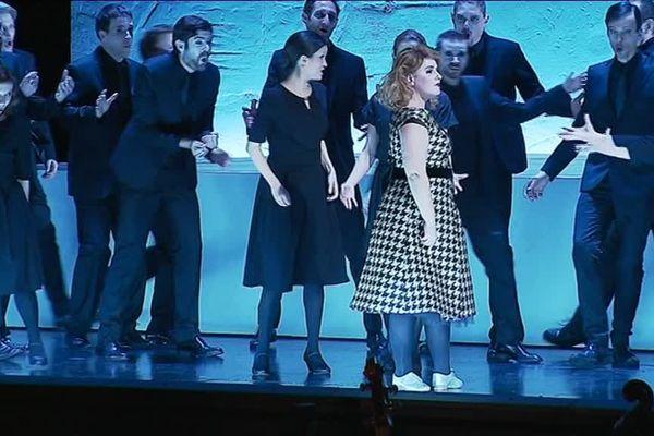 La soprano Emmanuelle de Negri, interprète 4 rôles chantés et dansés