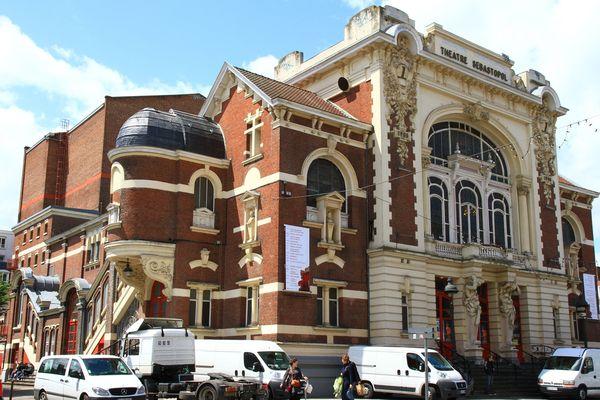 La réouverture des salles de spectacle annoncée par le premier ministre ne garantit pas leur survie économique.