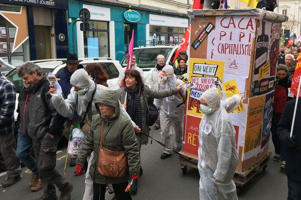 Manifestation dans le centre-ville d'Angers contre la réforme des retraites, le 20 février 2020