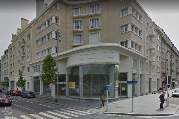 """L'ancien garage Renault du centre-ville de Caen va subir d'importants travaux pour devenir le """"MoHo""""."""