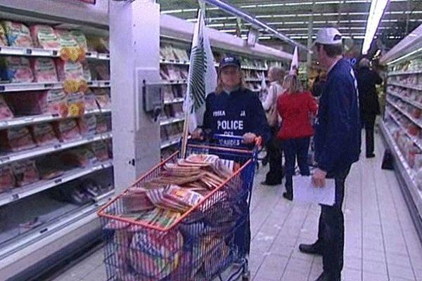 Les éleveurs de porc de la région ont retiré de la viande de porc des rayons d'un supermarché ce mardi matin au motif que sa traçabilité est douteuse