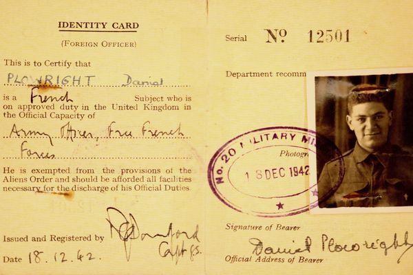Carte d'identité au nom de Daniel Plowright, pseudonyme du parachutiste Rémi Dreyfus