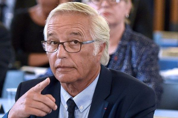 François Rebsamen a été réélu maire de Dijon lundi 10 août 2015.