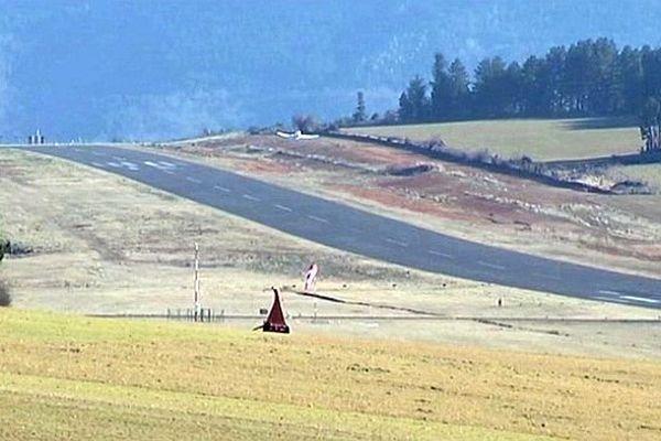Lozère - l'aérodrome de Mende-Brenoux à 1.040 mètres d'altitude - janvier 2015.