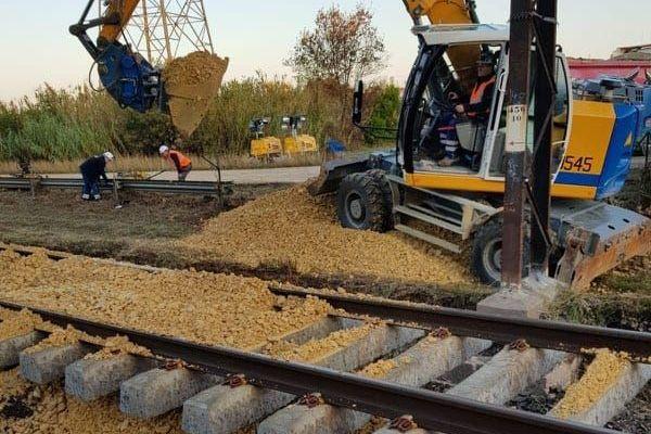 La SNCF a commencé ce dimanche à remblayer les voies - octobre 2019.