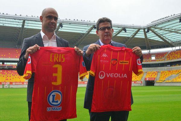 L'ancien joueur et capitaine de l'OL Cris nommé entraîneur du Mans FC  et présenté au MMArena le 2 juin 2021, avec le président du club Thierry Gomez
