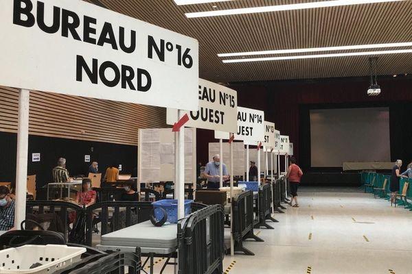Municipales 2020, deuxième tour  : bureau de vote dans la ville de Rodez à 17 heures