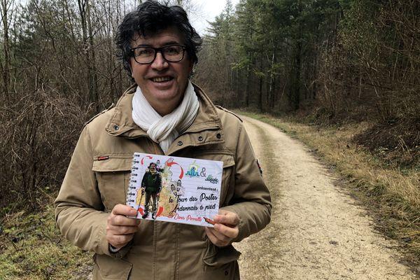 Denis Perrette nous présente son dernier livre: le Tour des Poètes Ardennais à pied.