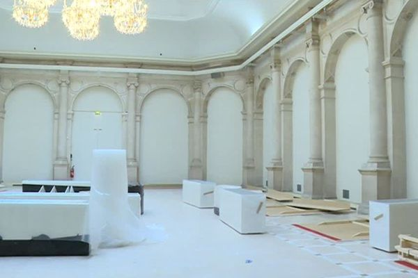 Dans cette salle sera aménagé l'accueil de nuit de femmes SDF à l'Hôtel de Ville de Paris.