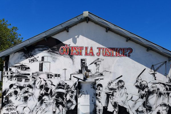 Fresque pour Steve Maia Canico, quai Wilson, Nantes, mai 2020