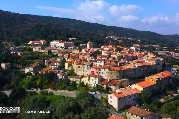 Les Chroniques Méditerranéennes et Nathalie Simon vous emmènent découvrir un joyau provençal situé sur la presqu'île de Saint-Tropez : Ramatuelle !