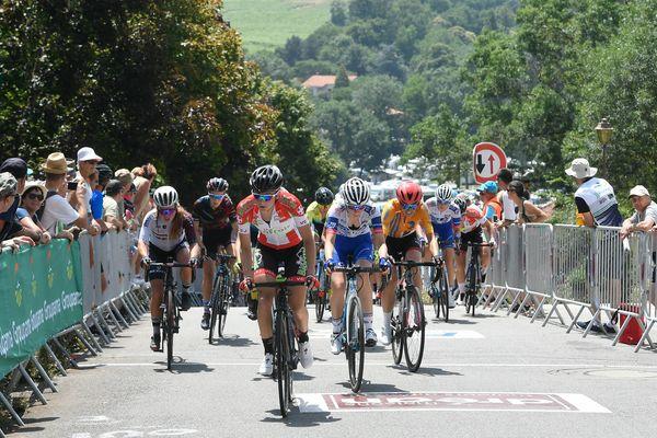 Pour cette épreuve, l'élite féminine a dû grimper 10 fois le fameux mur de Saint-Fiacre !
