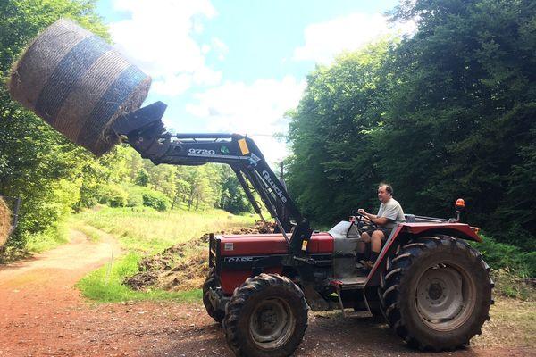 Laurent Gawron, éleveur bovin à Trélissac a dû se séparer de ses trente animaux suite à une contamination de tuberculose bovine, la première en 31 ans.