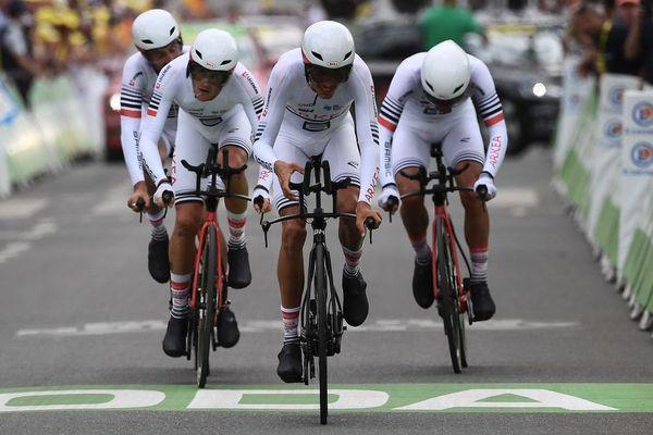 Une partie de l'équipe Arkea-Samsic à l'arrivée de la deuxième étape du 106e Tour de France, un contre-la-montre par équipes à Bruxelles - 7/07/2019