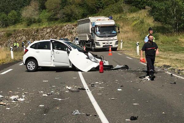 La conductrice du véhicule a été légèrement blessée ce jeudi 9 juillet à Joursac dans le Cantal.