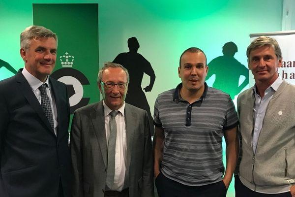 François Vitali (2e en partant de la droite) devient officiellement le directeur sportif du Cercle Bruges
