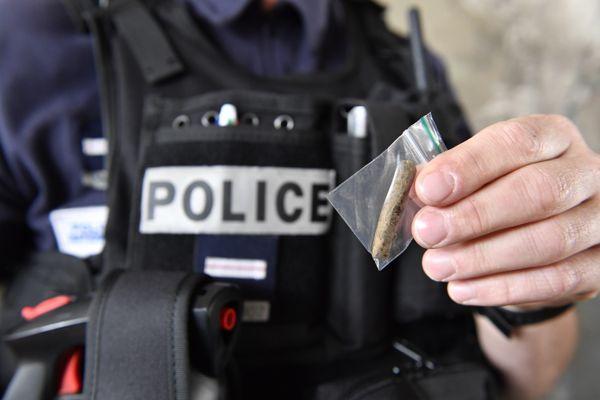 Les contrôles s'intensifient sur l'usage de stupéfiants, avec une amende de 200 euros pour tout contrevenant.