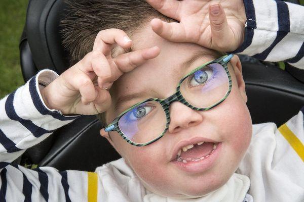 Jules, 4 ans, est atteint de myopathie tubulaire