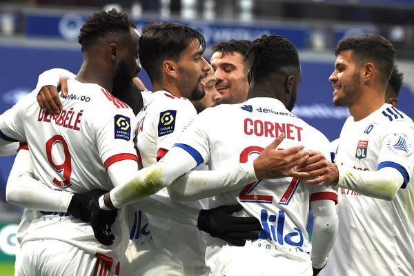 29/11/20 : l'Olympique Lyonnais s'est imposé 3-0 sur Reims au Groupama Stadium