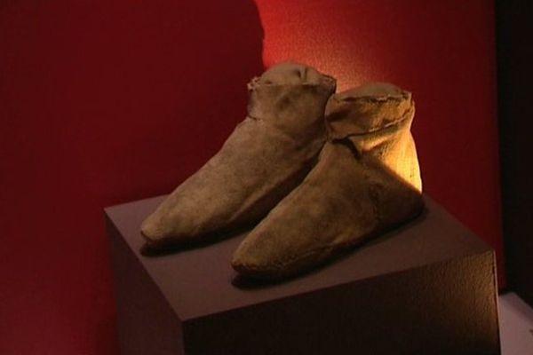 Des chausses de la période gallo-romaine restaurées par le Musée Bargoin