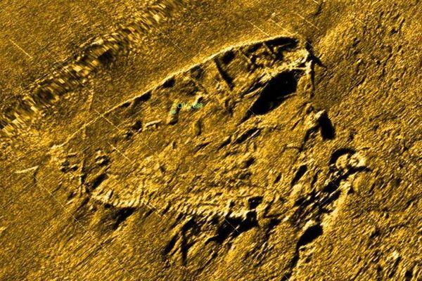 """Les traces sur les fonds marins de l'épave appelée """"Sud Minou 1"""", à l'entrée du goulet de Brest"""
