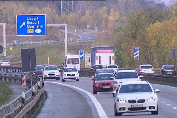 Après les poids-lourds, les voitures étrangères devraient passer à la caisse en Allemagne.