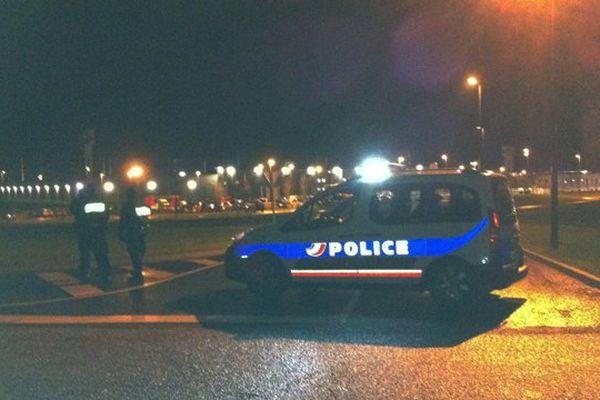Devant le centre de détention de Condé-sur-Sarthe ce lundi 30 décembre