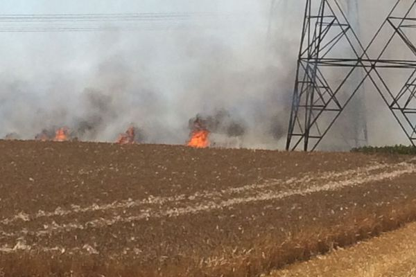 A Argoeuves, les fumées d'un feu d'éteules ont perturbé la circulation sur l'autoroute A16