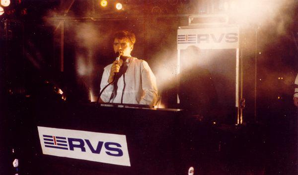 Fabrice aux commandes du Show RVS le 13 juillet 1987 à Rouen devant 50.000 personnes