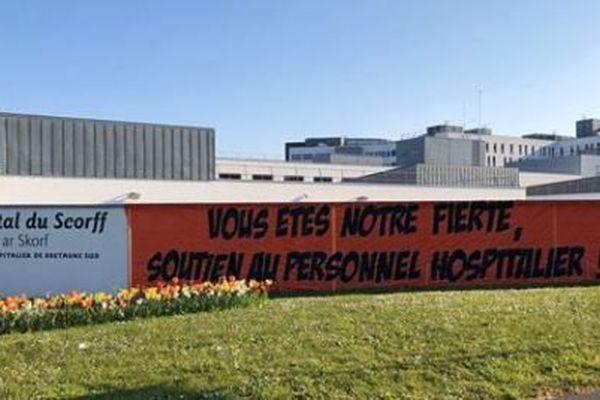 Coronavirus : les supporteurs lorientais ont décidé d'afficher leur soutien au personnel hospitalier.