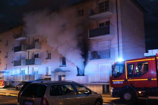 L'incendie ce mardi matin au 19 quartier de l'Europe à Ensisheim (Haut-Rhin).