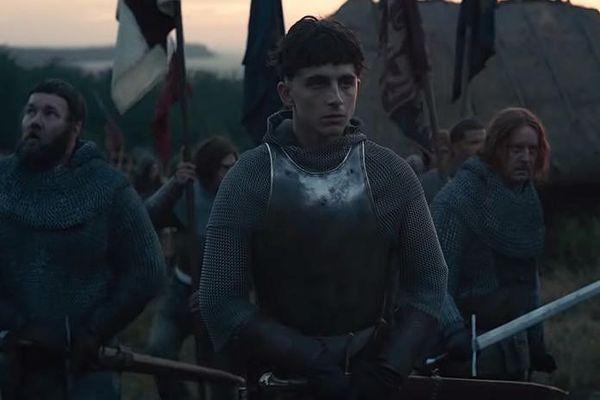 Timothée Chalamet incarne pour Netflix le roi d'Angleterre Henry V, vainqueur de la bataille d'Azincourt en 1415.