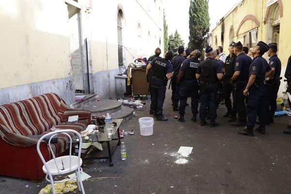 Démantèlement d'un camp de roms à Marseille en 2015.