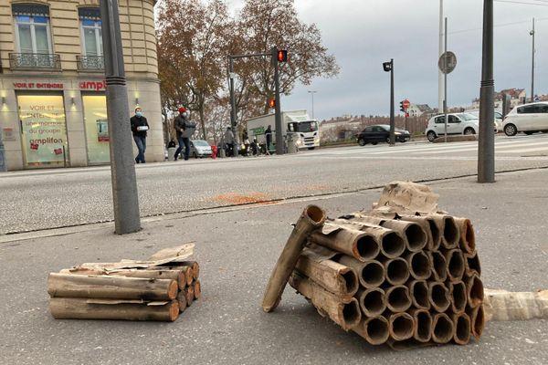 A Lyon, ce qu'il restait ce mercredi matin des feux d'artifice de la veille