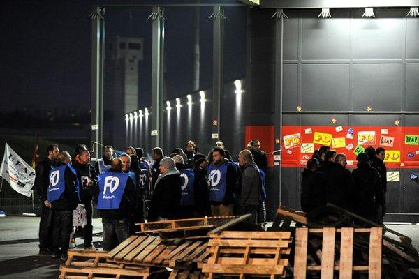 Le personnel pénitentiaire ce matin devant la maison d'arrêt de Nantes.
