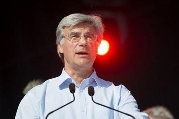 Patrick Le Hyaric a 57 ans. Journaliste, il dirige le journal l'Humanité et siège au conseil municipal d'Aubervilliers (93).
