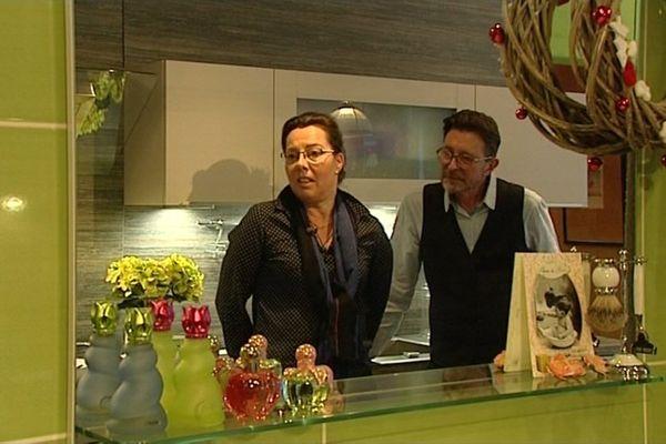 Gérard et Magali Bourdon, gérants d'un magasin de meubles à la Charité-sur-Loire, versent chaque année 1% de leur chiffre d'affaires à l'association Leucémie Espérance 58
