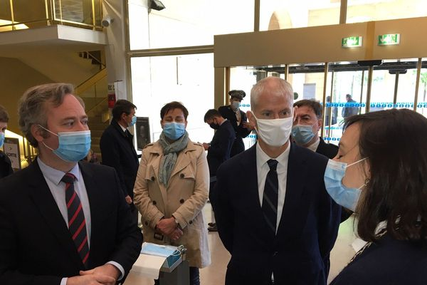 Franck Riester en visite à la Médiathèque d'Orléans accompagné de Jean-Baptiste Lemoyne © Flavien Texier