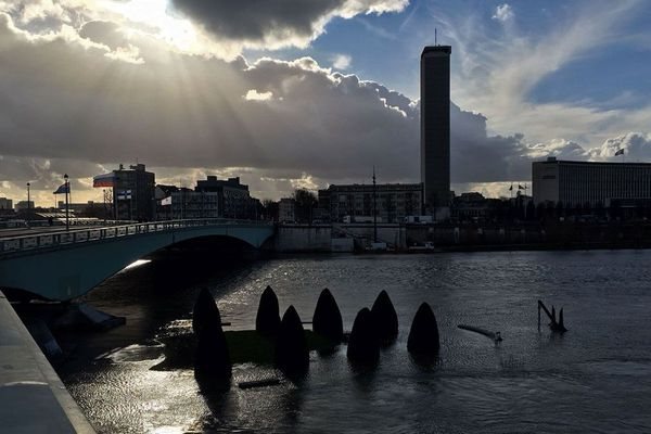 L'île Lacroix de Rouen sous les eaux de la Seine le jeudi 1er février 2018 entre 14h et 15h