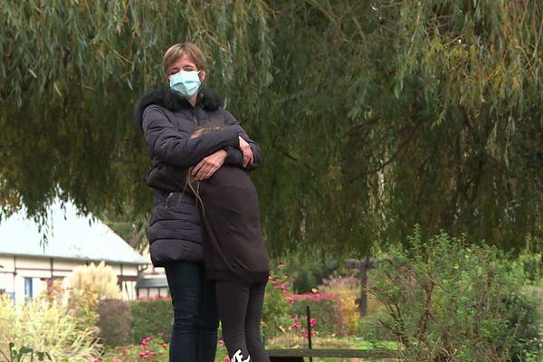 Noémie Levilain, aide-soignante, profite d'une semaine au calme avec ses enfants, loin de l'agitation due au Coronavirus.