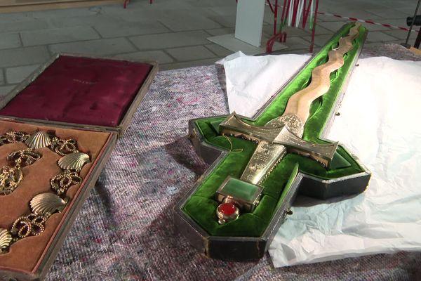 Le collier et l'épée de Saint Michel