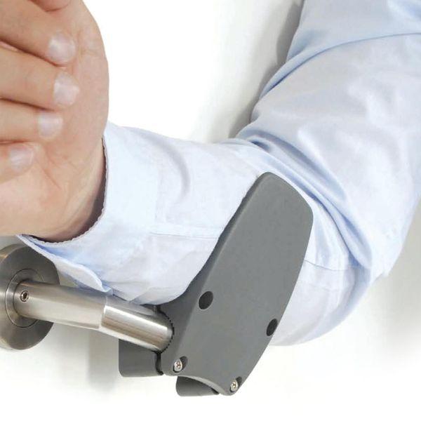 L'ouvre porte main libre permet d'ouvrir les portes en les poussant ou les tirant.