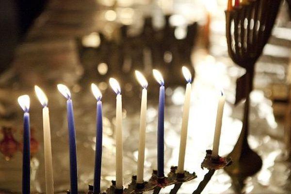 Hanouka fête des lumières juive. Illustration.